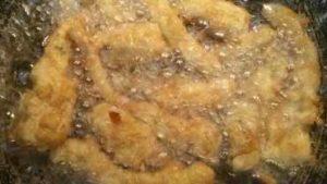 carciofi fritti dorati frittura